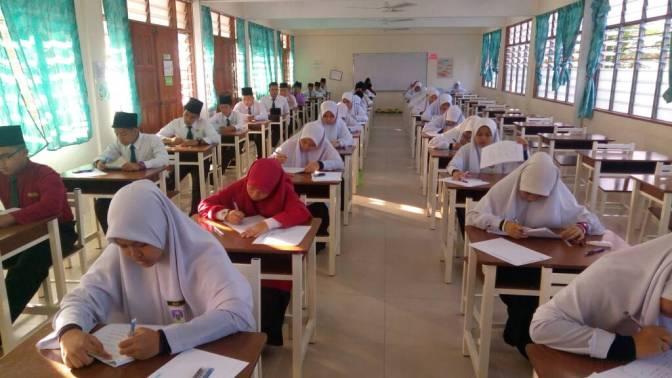 SEKITAR SUASANA PEPERIKSAAN PERCUBAAN SMA 2017