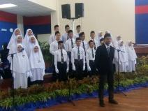 Pelajar SMIAS yang terlibat dalam persembahan